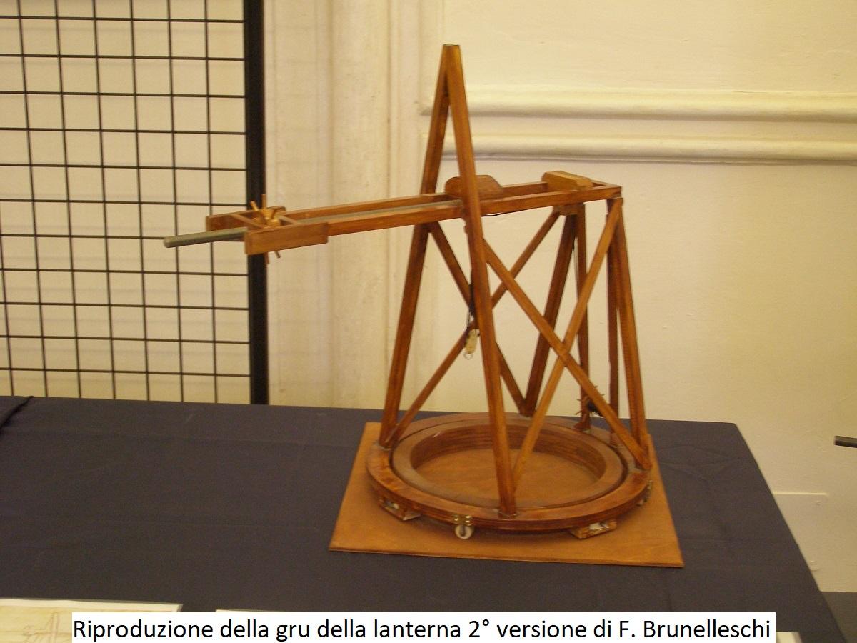 Riproduzione della Gru della lanterna seconda versione di Filippo Brunelleschi