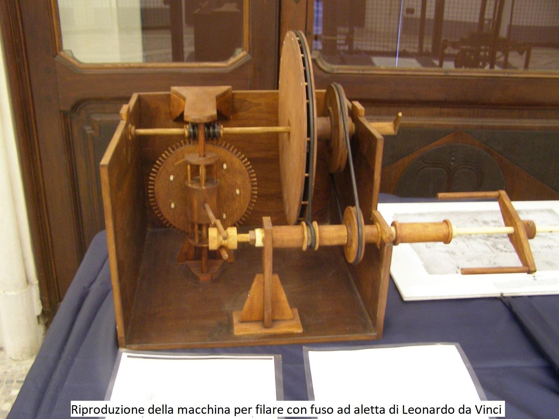Riproduzione della Macchina per filare con fuso ad aletta di Leonardo da Vinci